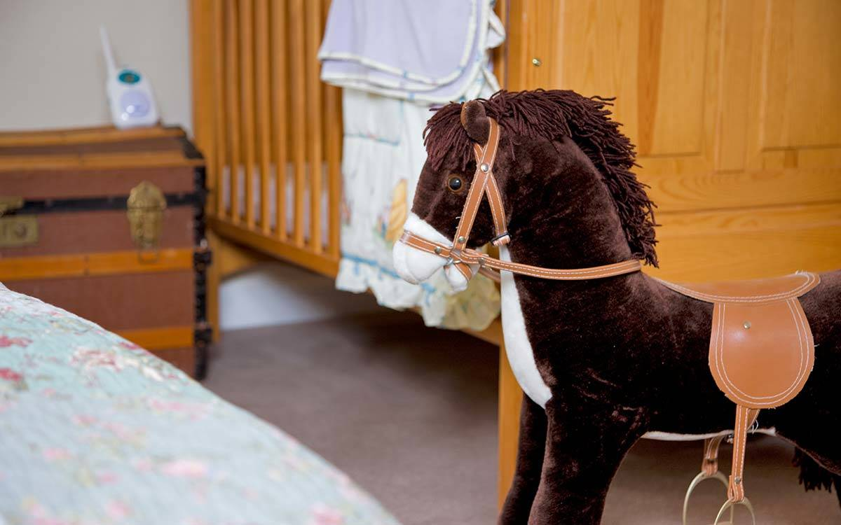 Morton House in Masham, Rocking Horse in the twin bedroom