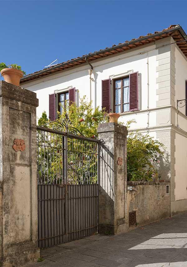 Villa Cicogna Exterior with gates